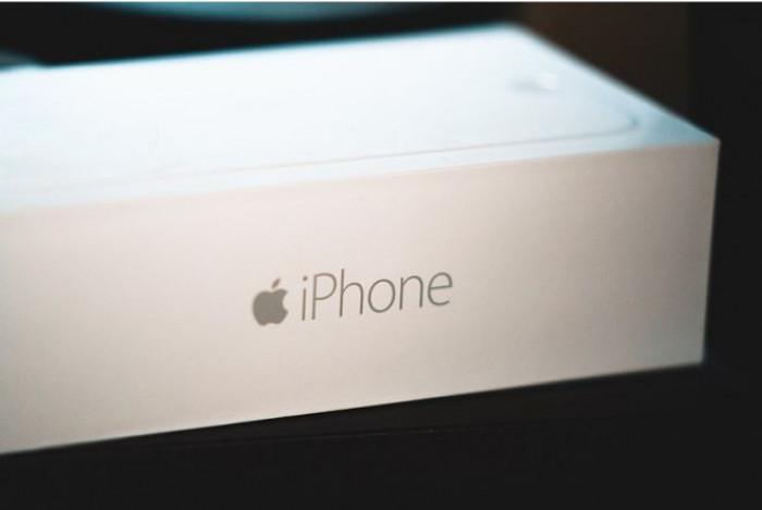 Apple, nel 2021 arriva una variante lowcost del nuovo iPhone 12