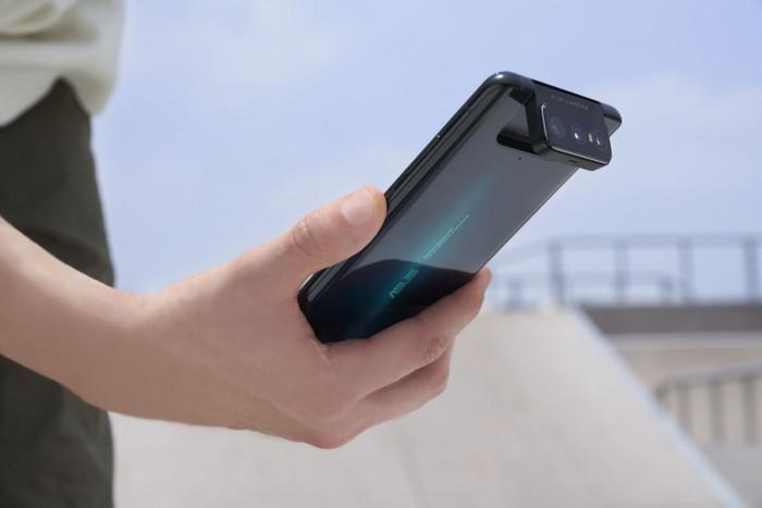 Asus Zenfone 7: tanta potenza e tanta autonomia