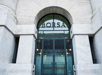Borsa Italiana Oggi (24 agosto 2020): azioni Banca MPS e Intesa Sanpaolo in primo piano