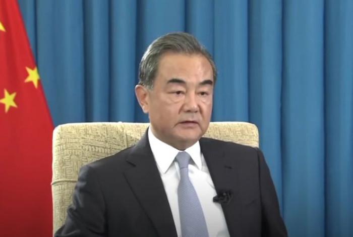Tensioni Usa-Cina: per il diplomatico di Pechino Wang Yi la nuova guerra fredda deve essere evitata