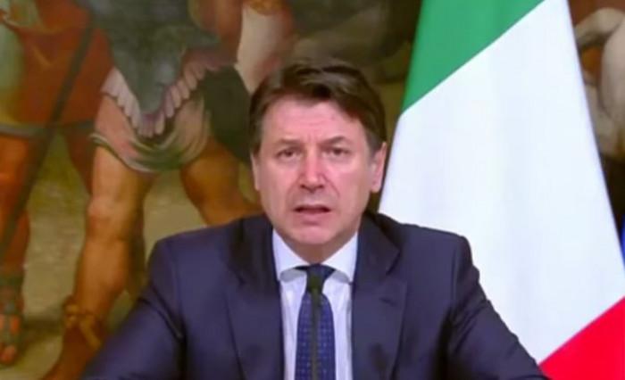 Nuovo Dpcm Conte: tra le misure in vigore dal 7 settembre confermato obbligo di mascherina all'aperto