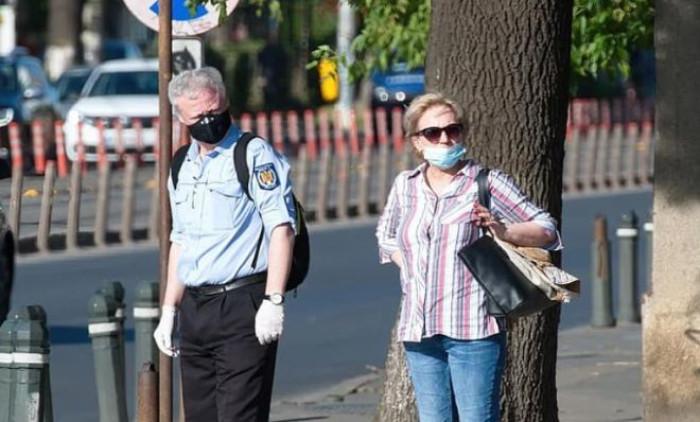 Col nuovo Dpcm mascherina obbligatoria anche all'aperto in tutta Italia? Ecco alcune anticipazioni