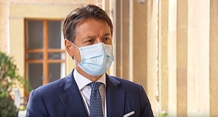 Coronavirus: in Italia potrebbe esserci il lockdown a Natale? Il premier Conte non lo esclude