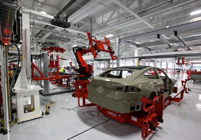 La produzione industriale italiana invia segnali positivi, secondo l'Istat nel mese di agosto cresce del 7,7%