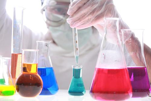 Migliori azioni settore farmaceutico: classifica, opinioni e consigli analisti