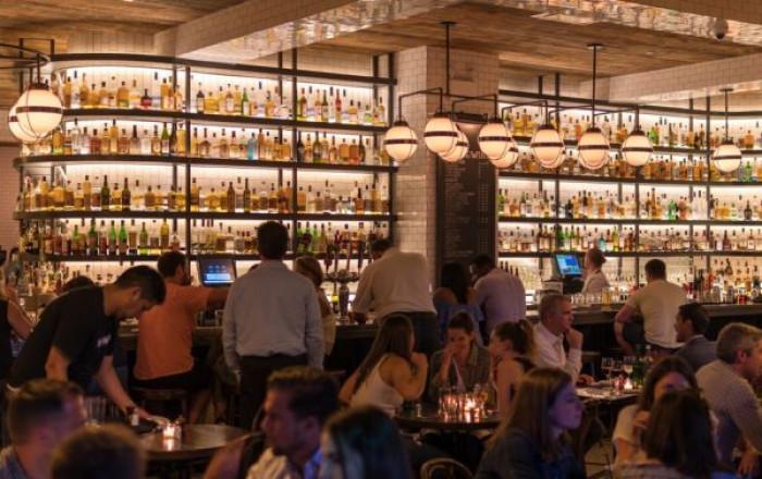 Nuovo Dpcm, si va verso una stretta su bar e ristoranti, con limite di persone ai tavoli e chiusura alle 22