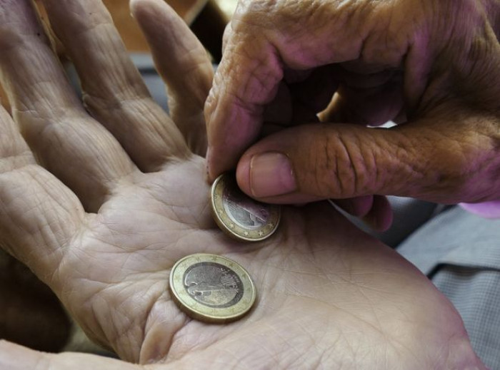 Pensioni: a dicembre arriva il bonus da 155 euro sulla tredicesima, ecco a chi spetta