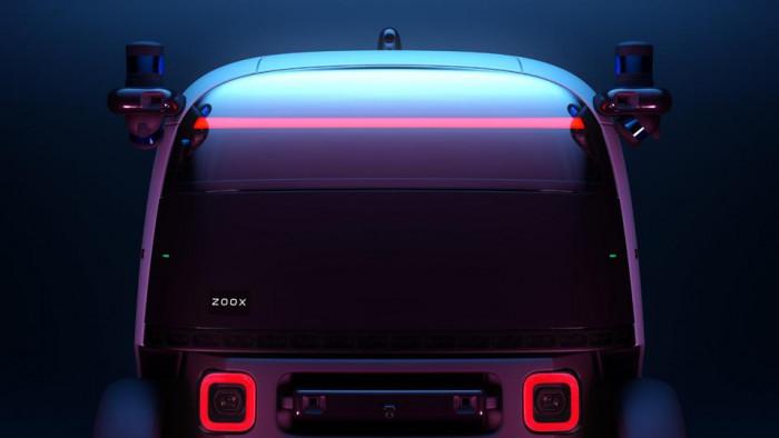 Arriva Zoox, il robo-taxi di amazon che guida da solo