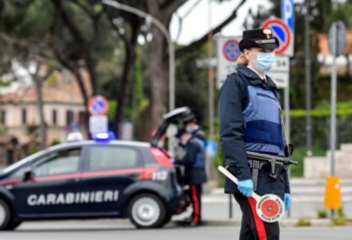 L'Italia in zona rossa, a Natale lockdown a intermittenza dal 24 dicembre al 5 gennaio
