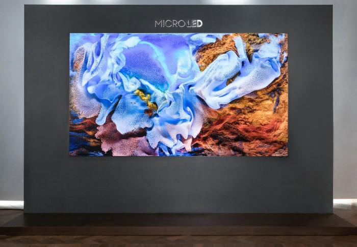 Samsung presenta una TV che costa quanto un appartamento