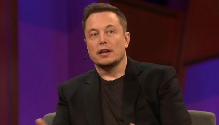 Elon Musk diventa l'uomo più ricco del mondo, la sua fortuna supera quella di Bezos grazie alle quotazioni di Tesla