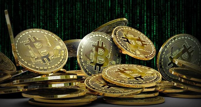 dovrei investire in denaro bitcoin