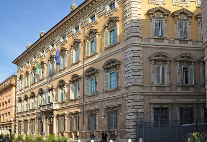 Renzi dice no ad un reincarico immediato a Conte, serve un mandato esplorativo. Inizia l'ultimo giorno di consultazioni
