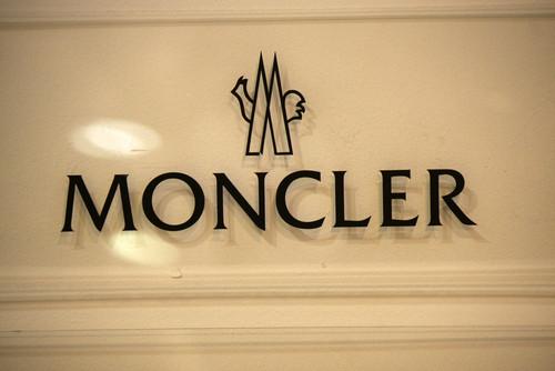 Dividendo Moncler 2021 a 0,45 euro, conti 2020 in peggioramento: titolo vola in borsa
