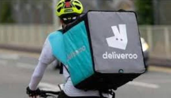 Azioni Deliveroo crollano: come investire dopo debutto flop a Londra