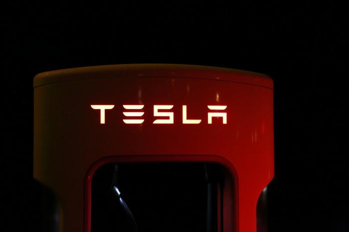 Azioni Tesla: striscia ribassista terminata? Ora è tempo di comprare