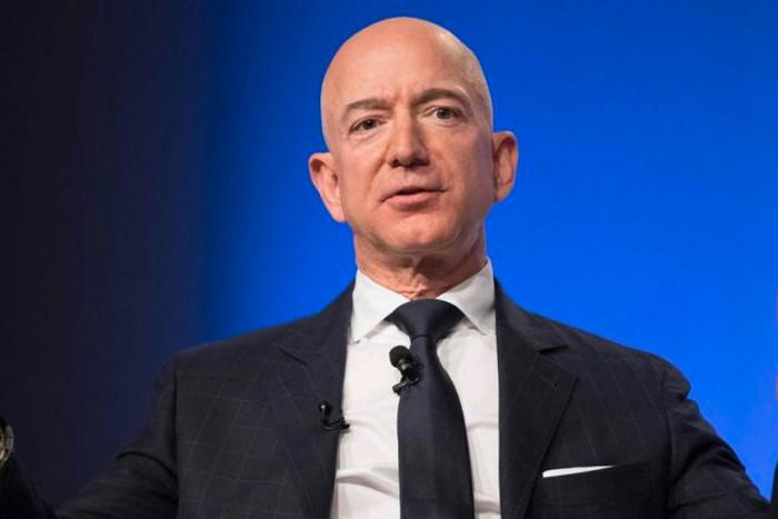 Bezos si conferma il più ricco del mondo e stabilisce un nuovo record