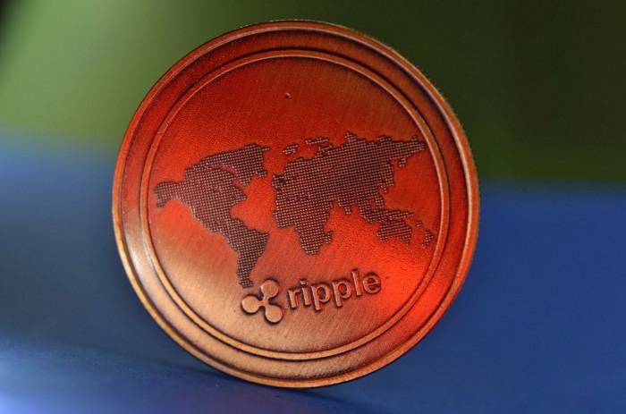 Comprare Ripple per cavalcare quotazione Coinbase? Target price a 2 USD vicino