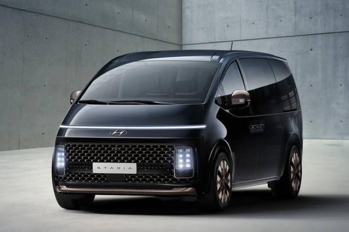 Hyundai presenta Staria: l'auto con undici posti