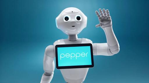 Pepper: il robot personal trainer che ti corregge e ti sgridda se sbagli.