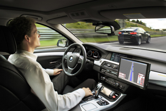 Auto a guida autonoma: arriva l'OK in Germania
