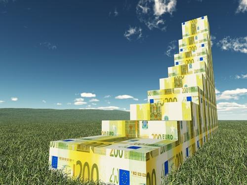 Cambio Euro Dollaro: trend rialzista durerà anche nel 2022? Ecco le previsioni
