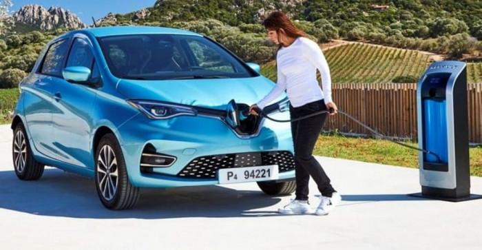 Le auto elettriche costeranno meno di quelle diesel e benzina
