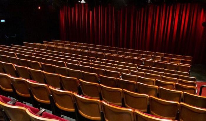 Riaprono teatri, sale concerto e cinema: ecco le regole stabilite dal nuovo decreto per la zona gialla