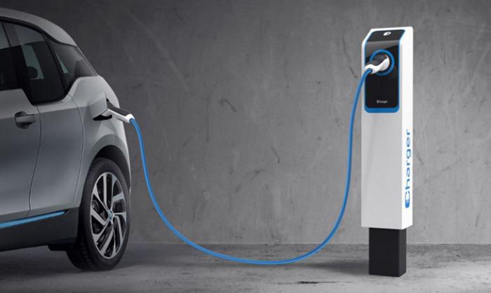 Auto elettriche, quanto costa un rifornimento di energia?