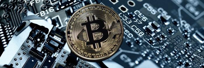Crollo Bitcoin: è peggiore candela mensile. Cosa succederà adesso?