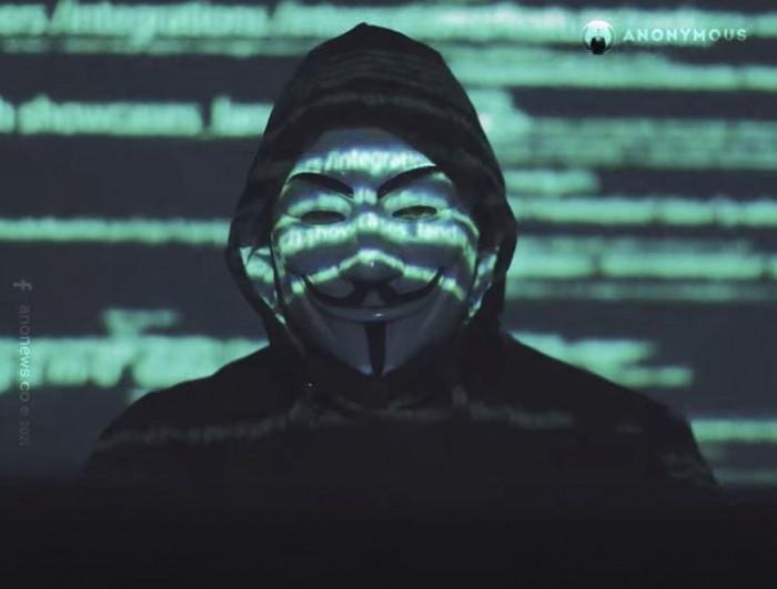 Elon Musk minacciato da Anonymous: il video e la sua risposta