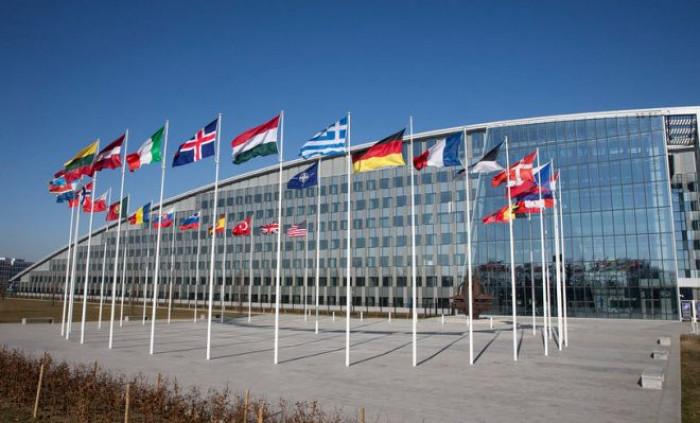 I rapporti con Russia e Cina preoccupano la NATO. Ecco perché potrebbero rappresentare una minaccia