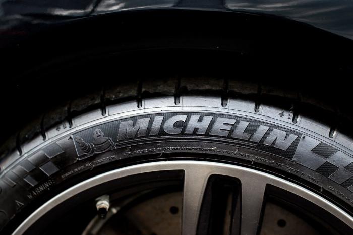 Comprare azioni Michelin dopo miglioramento target finanziari 2021?