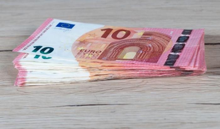 Reddito di Cittadinanza: cambia il limite per i prelievi di contanti e arriva una card per ogni componente