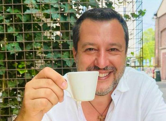 Salvini accetta il vaccino e parla di