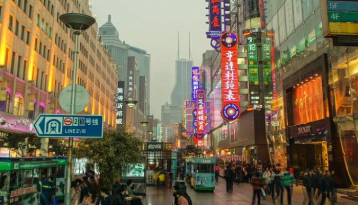 La stretta sui conti correnti dei più ricchi nei piani di Pechino fa precipitare il settore del lusso