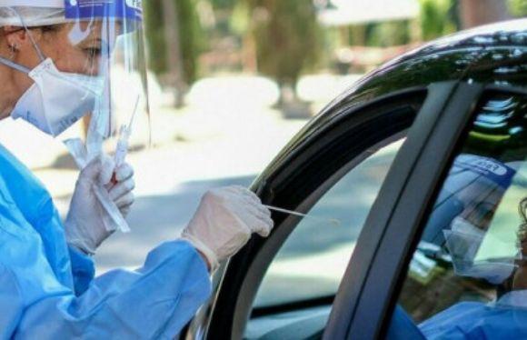 Test salivare invece del tampone, costa meno ed è più affidabile ma anche se negativo niente Green Pass