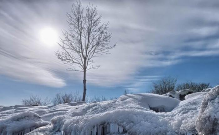 Clima, riscaldamento accelerato dell'Artico e freddo polare in tutto l'emisfero boreale
