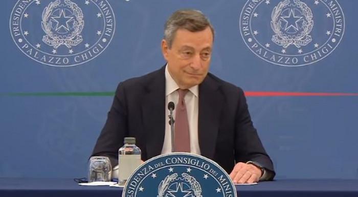 Conferenza stampa Mario Draghi: il premier conferma Green Pass esteso, obbligo vaccinale e terza dose