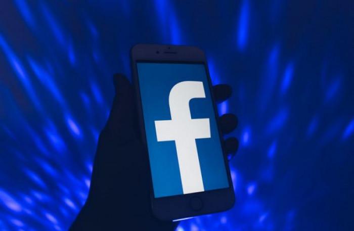 L'algoritmo di Facebook sbaglia: video con persone di colore finisce nella categoria