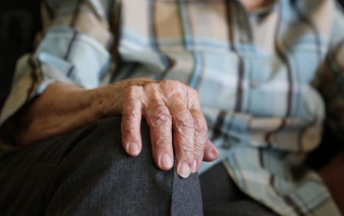 Over 80, i ricoveri e i decessi tra i vaccinati con doppia dose superano quelli tra i non vaccinati