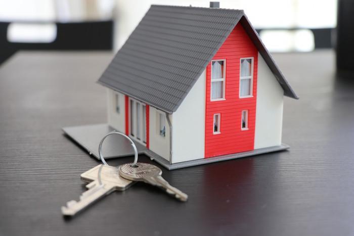 IMU: in arrivo il rimborso per i proprietari con inquilini morosi sotto sfratto. Ecco quali sono i requisiti